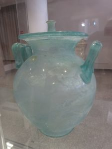 Glass pieces of the 2nd century still intact. Other discoveries to follow